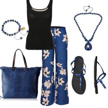Outfit Blu a fiori