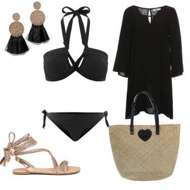Outfit Spiaggia e dettaglio oro