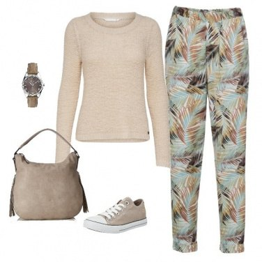 Outfit Basic in beige