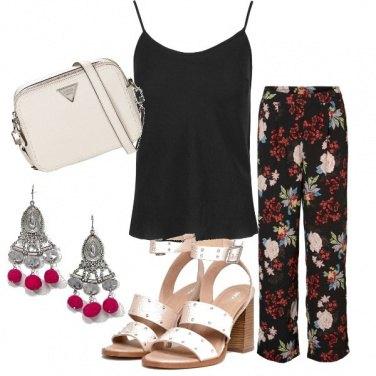 Outfit Etnico floreale