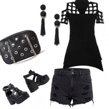 b7c4a3073639 Estate rock  outfit donna Rock per tutti i giorni