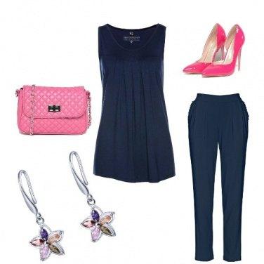 Outfit Femminile in rosa e blu
