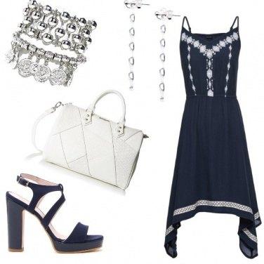 Outfit Vestito asimmetrico
