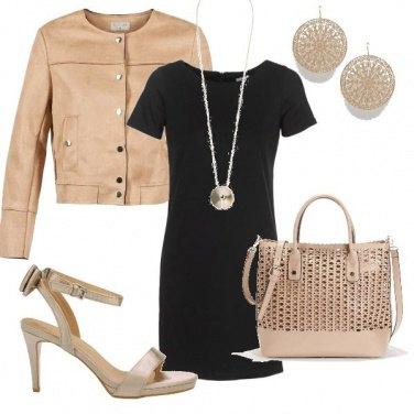 Outfit Tubino nero... un must versatile