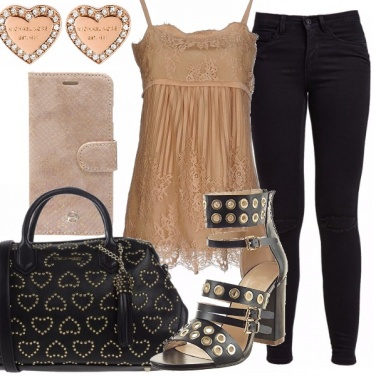 Outfit Cuori e borchie: curvy rocks!