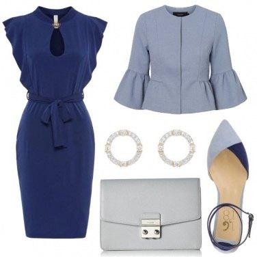 Outfit Blu e carta da zucchero