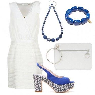 Outfit Geometrie in bianco e blu