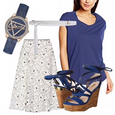 Outfit Casual chic blu e bianco