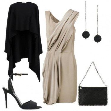 Outfit Mantella nera