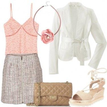 Outfit Pizzo e una rosa