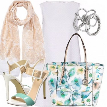 Outfit Tacchi e shopping bag