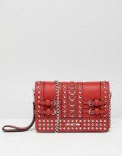 Pochette con borchie e tracolla a catena
