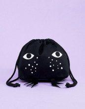 Borsellino nero con muso di gatto