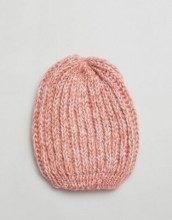 Cappello in maglia con rosa