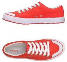 LACOSTE  - CALZATURE - Sneakers & Tennis shoes basse - su YOOX.com