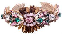 Deepa Gurnani - Polsino, decorato a mano, con cristalli rosa, pietruzze, paillettes e filo metallico, lunghezza: 18cm