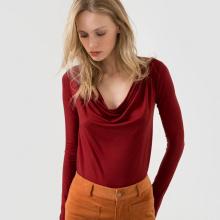 T-shirt maniche lunghe ampia scollatura