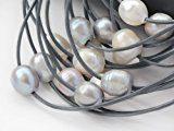 Collana multifilo in pelle da donna con perle d'acqua dolce, 11-12 mm, colore bianco e grigio