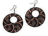 Idin - Orecchini con pendente rotondo, in legno, con incisione di fiori, colore: nero, lunghezza: 70 mm ca., legno: 50 x 2 mm