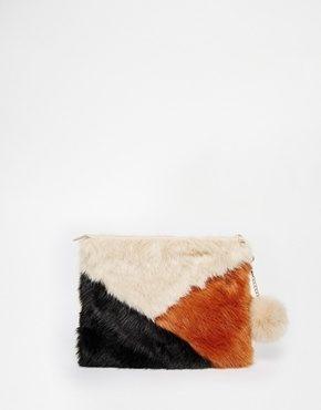 ASOS - Pochette in pelliccia sintetica con zip