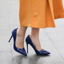 Scarpe con tacco alto laccate a punta