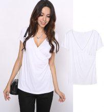 T-shirt con scollatura scaldacuore