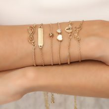 Set di 6 bracciali Love