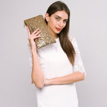 Clutch con paillettes