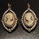 Orecchini a goccia con perle d'imitazione a forma di cammeo vintage, oro antico