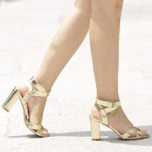 Sandali con tacco quadrato e cinturino alla caviglia