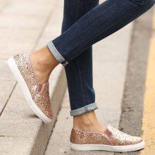 Slip-on glitter