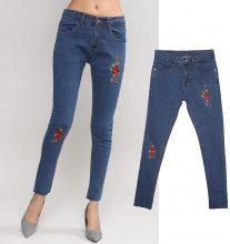 Jeans skinny con fiori ricamati