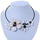 Colore: Bianco con motivo floreale, in pelle, con perle, con girocollo in cotone, regolabile, colore: nero