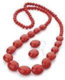 Avalaya - Parure comprensiva di orecchini a goccia e collana lunga con perle in acrilico, colore: rosso acceso e argento