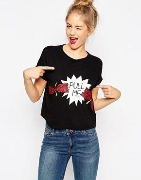 ASOS - T-shirt natalizia corta con scritta