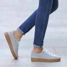 Sneakers con plateau e suola a contrasto