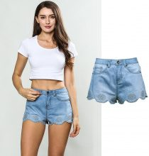 Shorts con orlo decorato