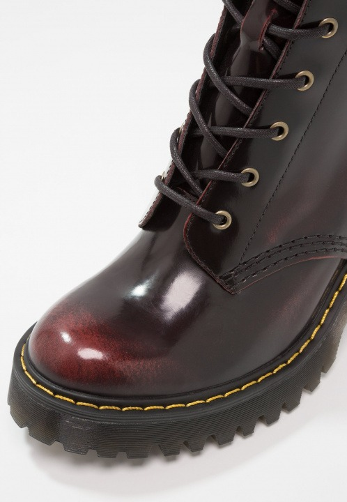 3f09cd1ae Dr. Martens PERSEPHONE 6 EYE PADDED COLLAR BOOT ARCADIA Stivaletti con  tacco cherry red