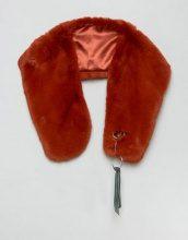 ASOS - Sciarpa in pelliccia sintetica con fettuccia e anello - Marrone