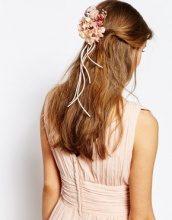 ASOS WEDDING - Floral Banquet - Spilla e fermaglio per capelli a fiori