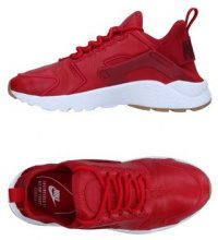 NIKE  - CALZATURE - Sneakers & Tennis shoes basse - su YOOX.com