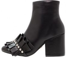 Lost Ink NORA RUFFLE FRONT LOW HEEL ANKLE Tronchetti black