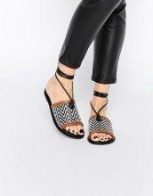 ASOS - FETCH - Sandali di pelle allacciati sulla gamba
