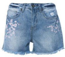 Shorts di jeans con orlo sfrangiato