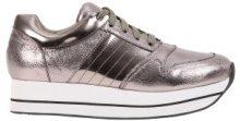 Sneakers metallizzate con plateau