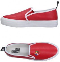 LOVE MOSCHINO  - CALZATURE - Sneakers & Tennis shoes basse - su YOOX.com