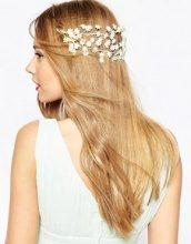 ASOS WEDDING - Ghirlanda per capelli con fiorellini sul retro