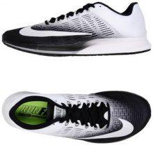 NIKE  - CALZATURE - Sneakers & Tennis shoes basse - su YOOX.com