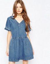 ASOS - Vestito grembiule di jeans blu medio slavato