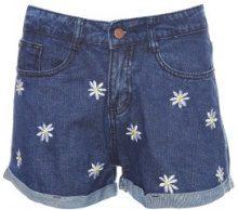 Shorts di jeans con toppe floreali
